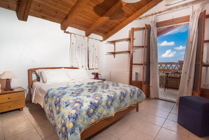 3 bedroom Maisonette Zefyros, 6ad + 3ch, location de vacances à Ano Vasilikos