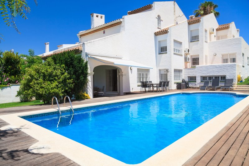 VILLA NOSTRA con piscina privada y wifi gratis, vacation rental in Tarragona