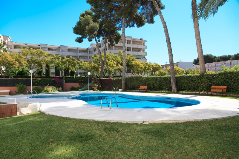 BUIGAS LUZ 091: Lovely apartment situated in the middle of the centre of Salou !, holiday rental in Tarragona