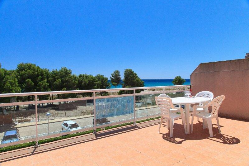 Apartamento familiar frente al mar con piscina · UHC ARCO DEL SOL 165, vakantiewoning in L'Hospitalet de l'Infant