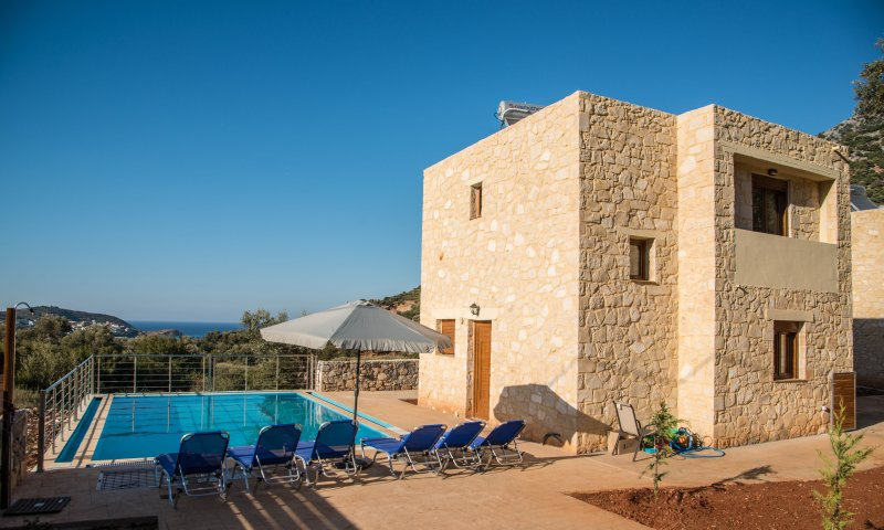 CORAL Uphoria villa with 46 sqm private pool, holiday rental in Axos