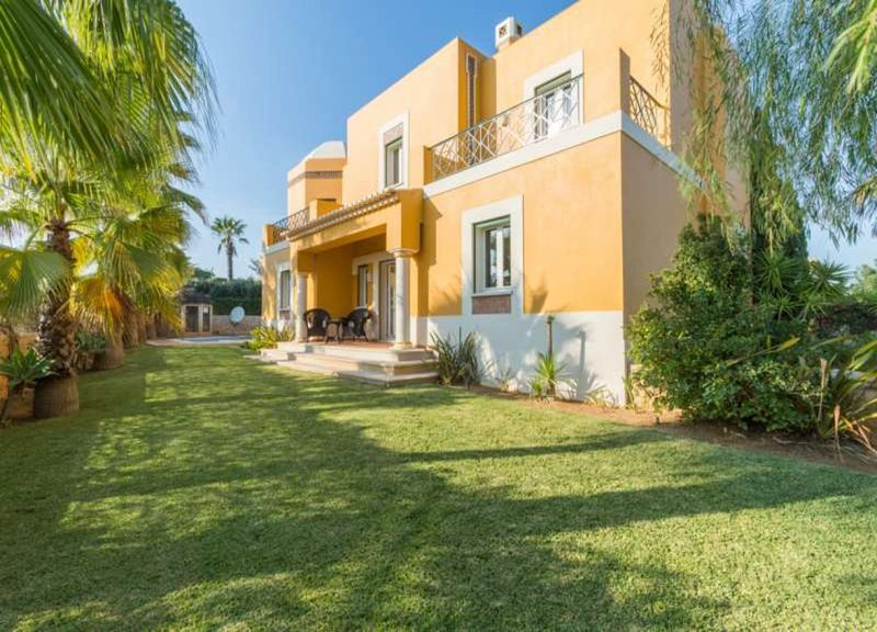 Villa - 4 Bedrooms with Pool and WiFi - 102546, vacation rental in Guia