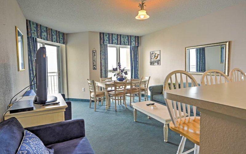 Ocean Front condo on the 6th floor at Bay Watch, holiday rental in Longs