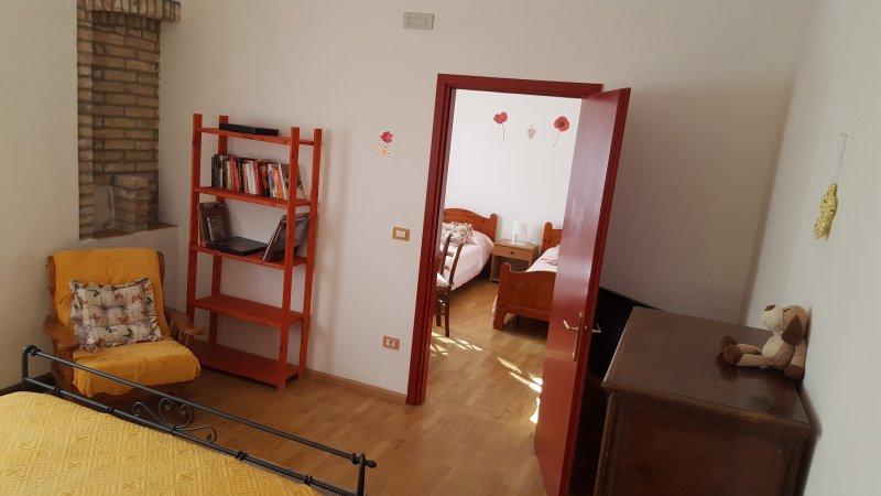 La première chambre composée de deux chambres communicantes