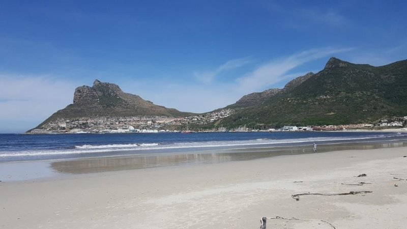Perfect getaway 100 metres from the beach, holiday rental in Hout Bay