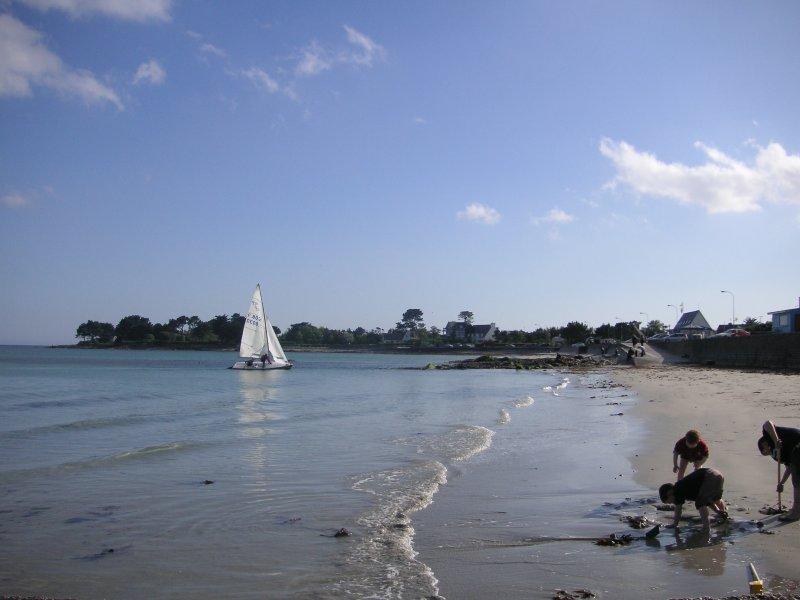 PLAGE DE LANGOZ, Villa de caractère spacieuse et confortable à 150 m de la plage, vacation rental in Loctudy