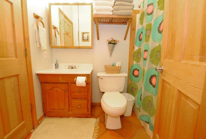Wagon room - full bath