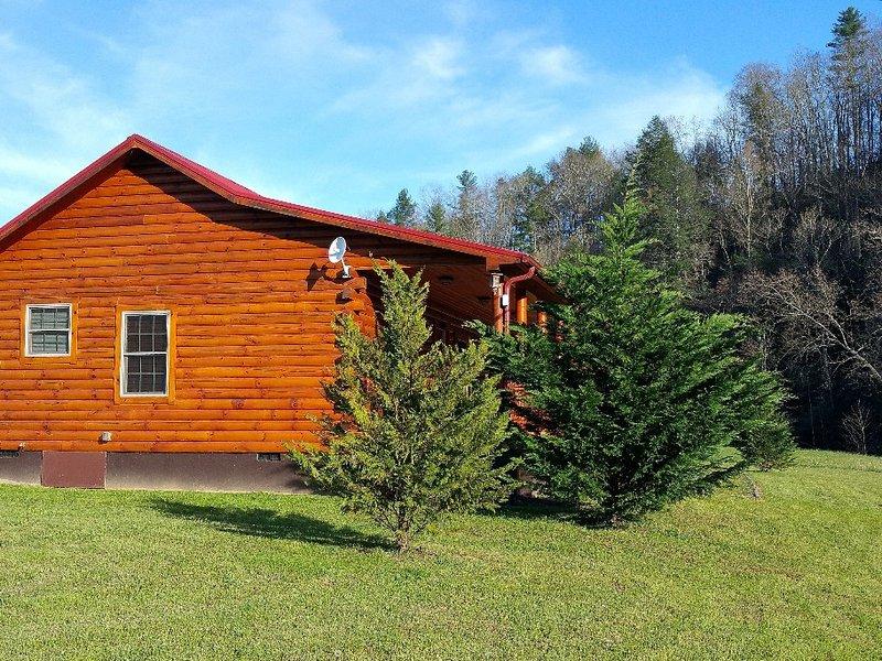 new luxury riverfront cabin has washer and mountain views rh tripadvisor com