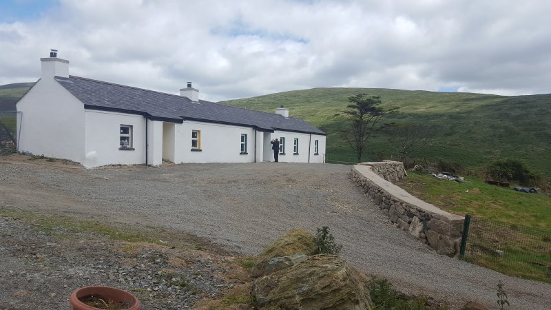 Pat Whites Luxurious Traditional Irish Cottage in the Mourne Mountains, casa vacanza a Mayobridge