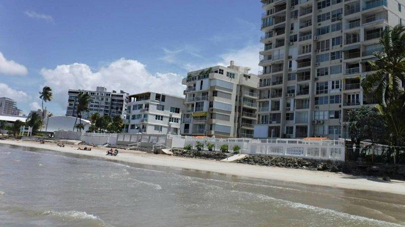 View Beach Front Beach Vista de Piso