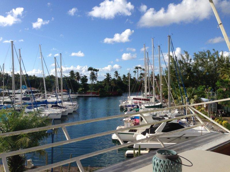 vistas magníficas vistas al puerto deportivo y la tranquilidad