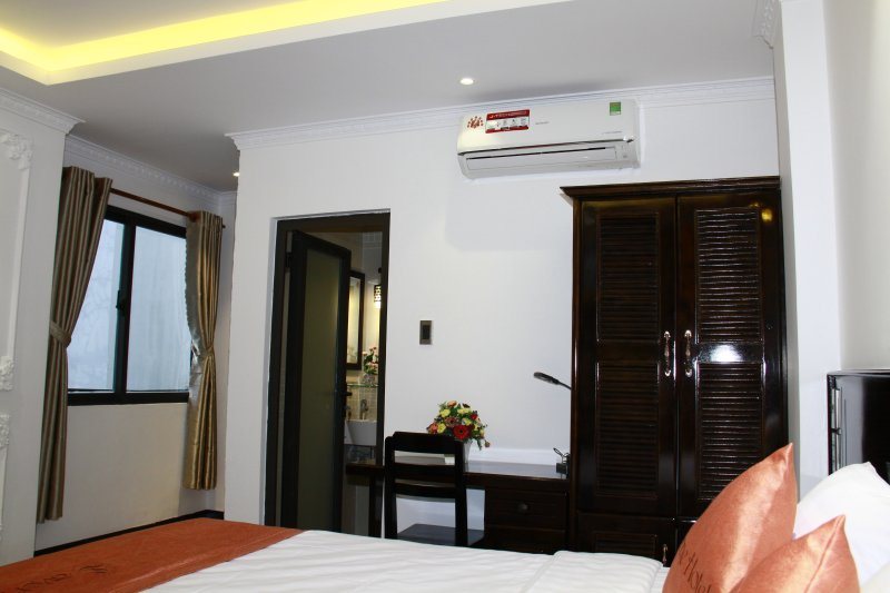 Room with the king size bed and full customers needs