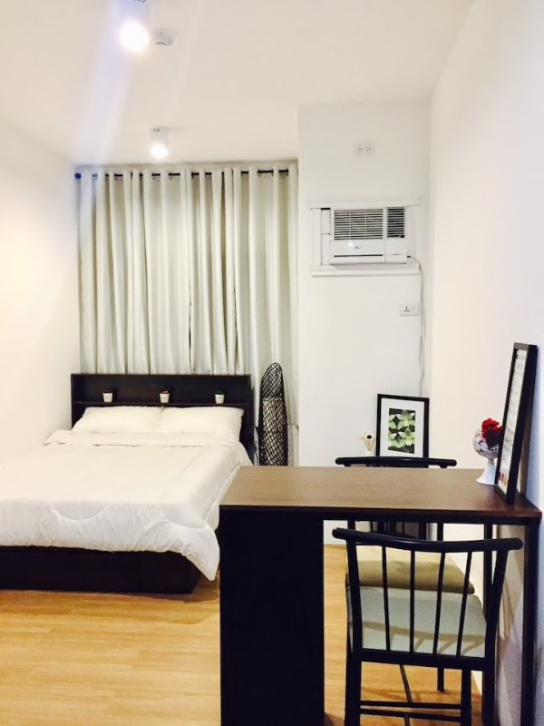 PRIVATE UNIT Near Airport&Beaches in Mactan Cebu w/Breakfast, holiday rental in Lapu Lapu