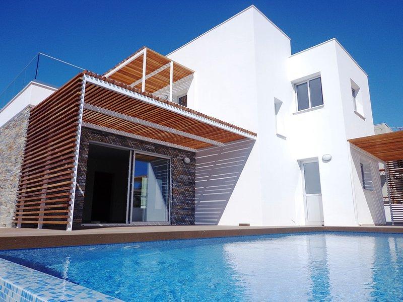 Plage Residence Villa Ammos, holiday rental in Acheleia