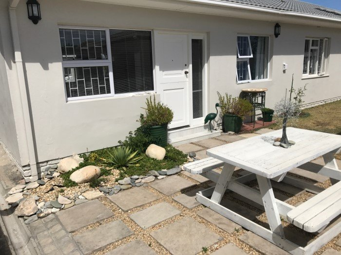 Modern, near beach, shops, restaurant, accommodation Cape Town, vacation rental in Table View