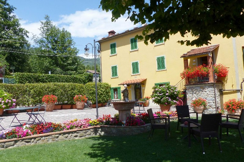 Belview,hamlet lodging,swimming pool,Spa, children playground,horses, quiet, holiday rental in San Momme