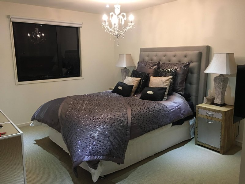 Hamptons Master Bedroom with Ensuite