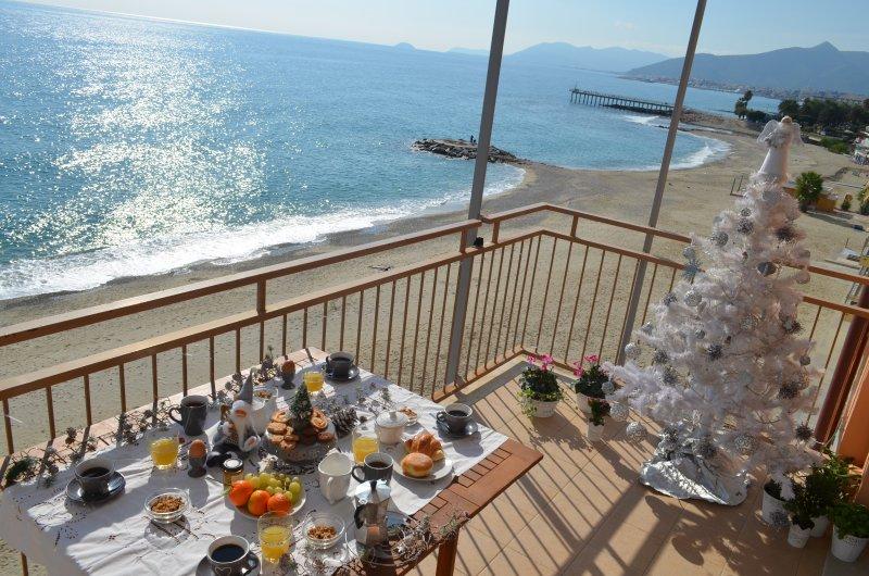 Fronte Mare 1 Codice CITRA 009049-LT-0578, vacation rental in Borghetto Santo Spirito