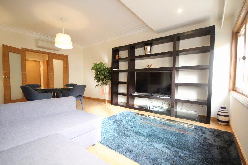 Sal Red Apartment, Telheiras, Lisboa, casa vacanza a Amadora