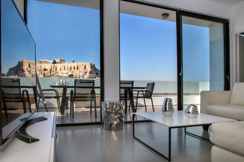 Luxury Penthouse touching the Acropolis!, holiday rental in Athens