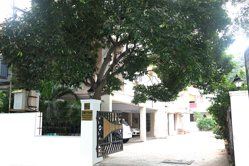 Happy Planet Standard Room 1, holiday rental in Chennai District