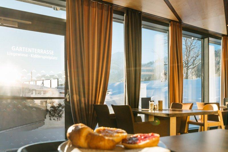 Outside Winter, inside breakfast. So the day can begin.