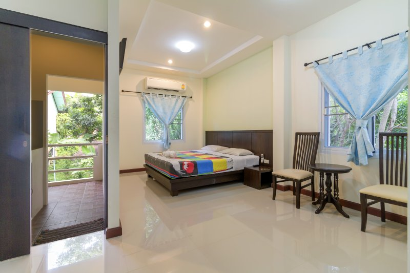 Apartment near Beach Upper Floor, vacation rental in Lamai Beach
