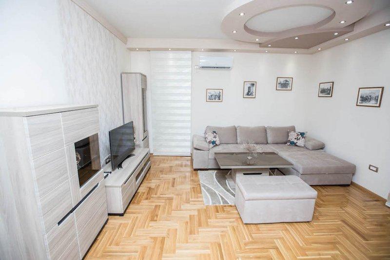 TREBINJE - CENTER: LUXURY ONE-BEDROOM APARTMENT 'LUNA', vacation rental in Trebinje