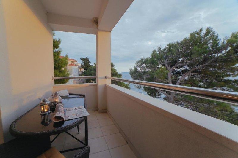 VILLA CARICA APARTMENT 5(2+2), holiday rental in Mimice