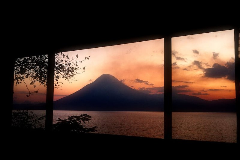 Atitlan Sunset Lodge Apartment 2, alquiler de vacaciones en Jaibalito