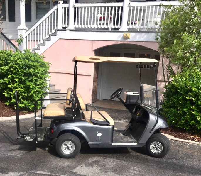 GOLF CART and KAYAKS withnCONDO RENTAL!, alquiler de vacaciones en Isle of Palms