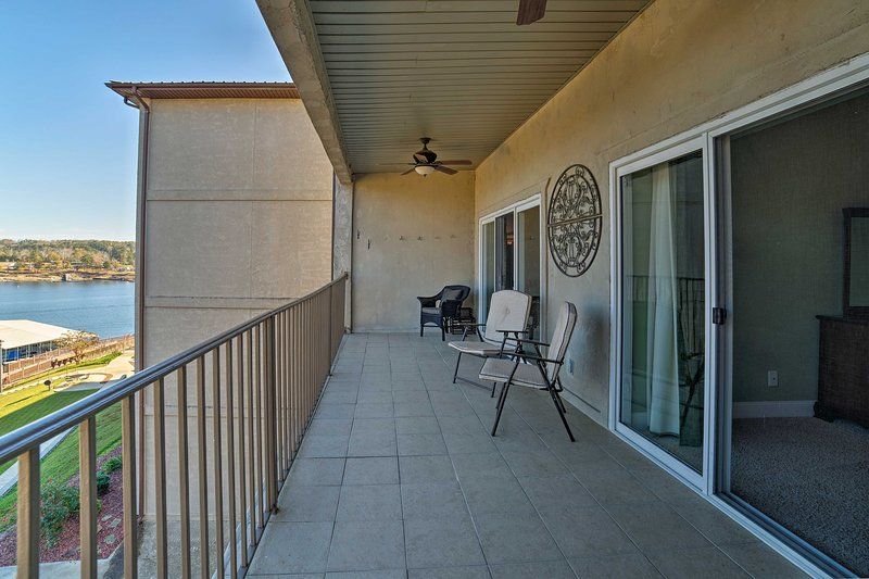 Discover Lewis Smith Lake from this waterfront vacation rental condo in Jasper!