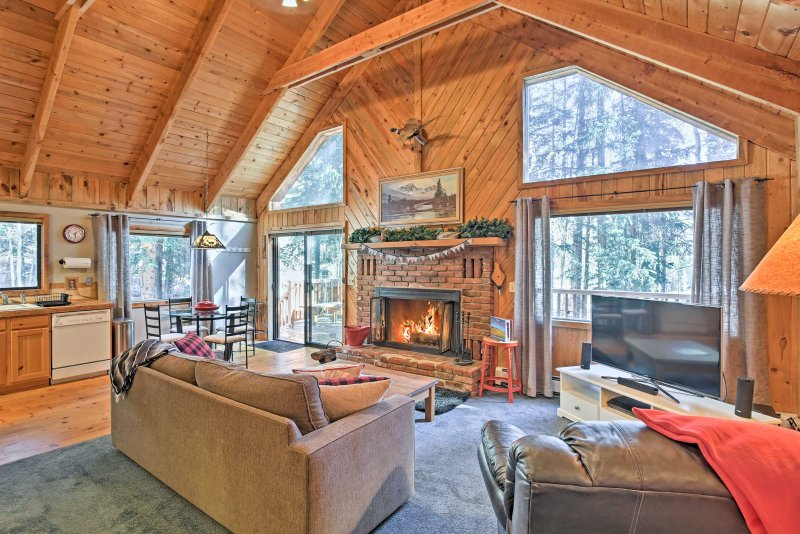 Escape to the great outdoors at this Alma vacation rental cabin!