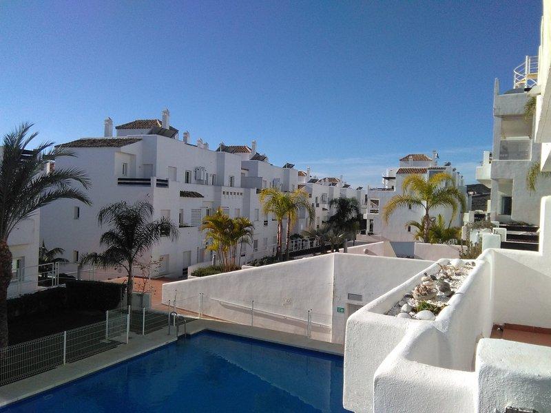 Semplicemente perfetto per quei pomeriggi pigri al sole con la piscina a pochi passi di distanza