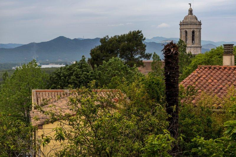 Apartamento en 'entorno privelegiado', Ferienwohnung in Girona
