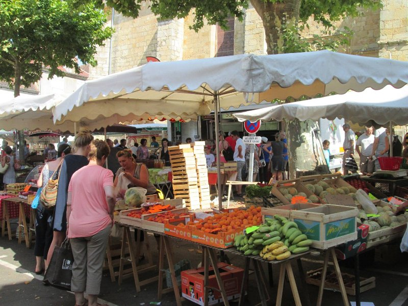 local farmers markets with fresh produce