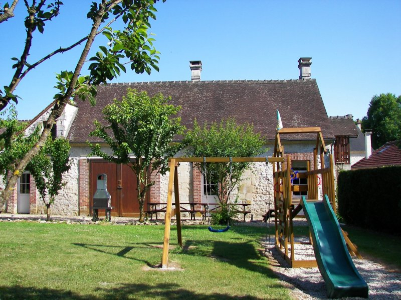 Cozy family holiday house, holiday rental in Thourotte