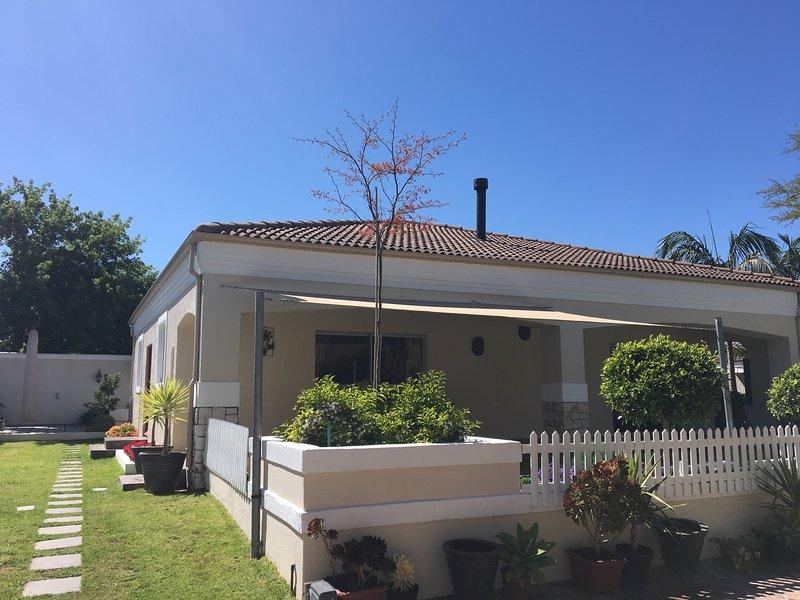 Afrikaanse Palm Blue Cottage 150m