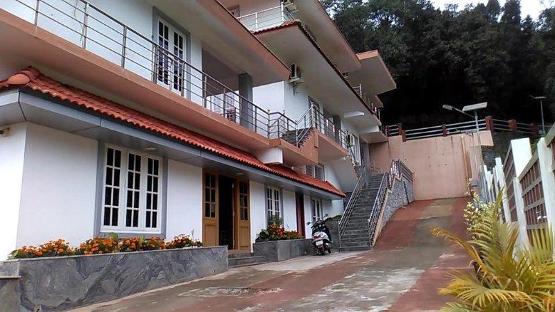 COORG YAJNA HOMES (Room 5), holiday rental in Madikeri Taluk