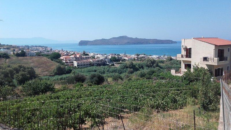 Iro's sea view apartment 2, location de vacances à Stalos