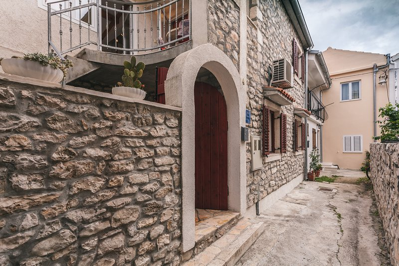 Stone Villa Emi near the sea, holiday rental in Bibinje