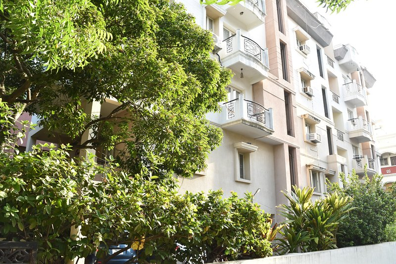 Happy Planet Apartment 3, holiday rental in Chennai District