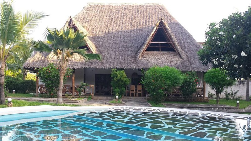 Gorgeous Villa with swimming pool/ close to the beach, location de vacances à Malindi