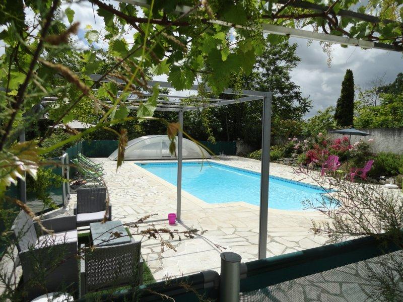 Le Mas des Papillions - Gîtes du Lot ' Le Cantou ', Ferienwohnung in Saint-Daunes