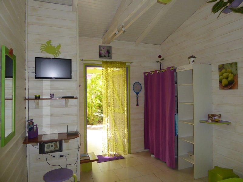 Coco Bungalows 5 bungalows pétillants de couleurs, location de vacances à Sainte Rose