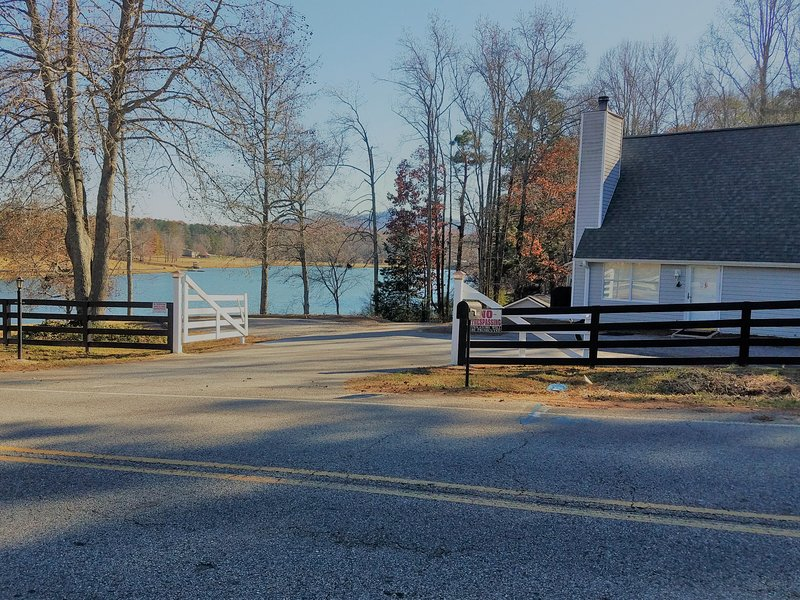 entrada da frente privado fechado ao Lago Chalet