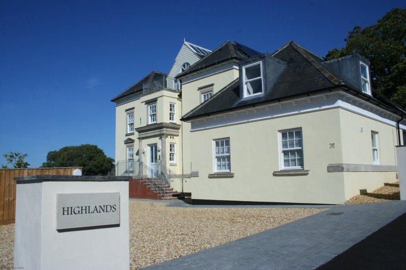 5 Highlands Apartment, casa vacanza a Luccombe