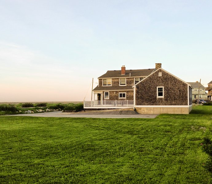 Beach House Rentals New England: Colbyco Murphy's House Has Internet Access And Secure