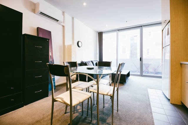 2 Bedroom CBD apartment near Rundle St w car park, holiday rental in Adelaide