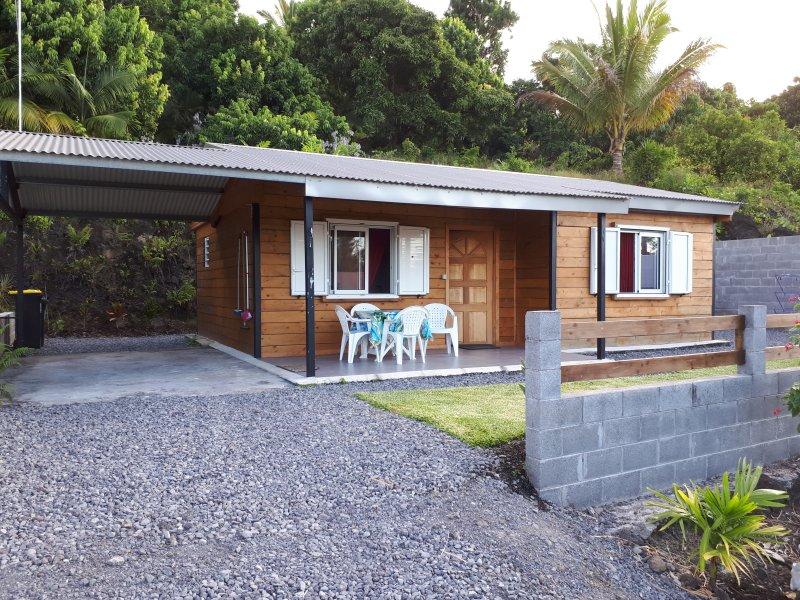 R'MARINE97439 - Bungalow 'Le Paille en Queue', vacation rental in Sainte-Anne